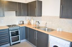 New Mills, Fenham, Newcastle Upon Tyne - Rent: 73 pppw - Available: September  2015 - City Centre living for students! letslivehere offer this luxury 5 bedroom, 2 bathroom apartment in the City Centre, next to St James Park! The property comprises an impressive open plan kitchen and living room, complete with a contemporary dining area. The living room has modern leather sofas and stylish coffee table.