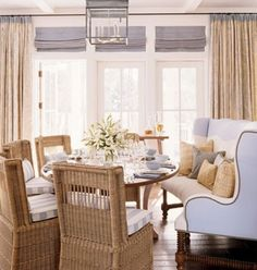Another gorgeous banquette photo and idea!