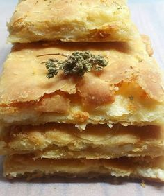 "Elpida's Little Corner!: "" Εύκολη Πίτα "" Cheese Pies, Greek Dishes, Spanakopita, Food Styling, Apple Pie, Lasagna, Tart, Appetizers, Bread"