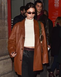 and baby aesthetic January 2020 (Paris, France) Bella Hadid Outfits, Bella Hadid Style, Style Invierno, 80s Fashion, Fashion Outfits, Classy Fashion, Fashion Black, Ootd Fashion, Modell Street-style