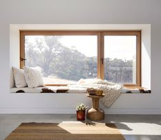 A home may not always be complete without a bay window seat. Whether it is a house or an apartment, you can have at least one. Make sure that these bay window seats are suitable for the whole conce… House Design, Interior, Home, Windows, Living Room Windows, Home Deco, Interior Design, Window Seat, Window Seat Design