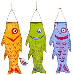 Koi Kite (pdf pattern on website) Trace the pattern twice on plain or fancy wrapping paper. Glue the two halves together along the edge. Decorate with cutout scales, paint or glitter, don't forget the eyes! @Sherrie Bowe-Hernandez Bowe-Hernandez Bowe-Hernandez Mortensen