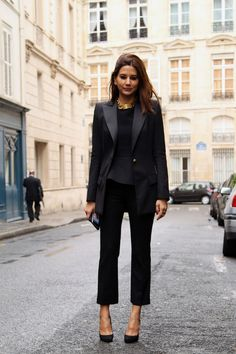 Christine Centenera wears Balmain blazer, pants and shoes. Celine top and necklace. street style RTW S/S 2013 gallery - Vogue Australia Looks Black, Black Love, Elegantes Outfit Damen, Looks Style, Style Me, Urban Look, Christine Centenera, Black Tux, Black Trousers