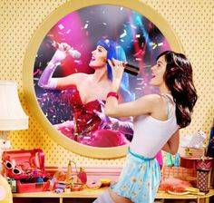 Listen to music from Katy Perry like Never Really Over, Last Friday Night (T. Find the latest tracks, albums, and images from Katy Perry. Katy Perry Wallpaper, Fond D'écran Katy Perry, Katy Perry Songs, Kati Perri, Netflix, Katy Perry Pictures, Russell Brand, Me Too Lyrics, Hollywood