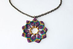 handmade macramè flower necklace