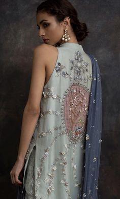 New wedding indian dress color combinations india Ideas Pakistani Formal Dresses, Pakistani Outfits, Indian Outfits, Dress Indian Style, Indian Dresses, Indian Wear, Lehenga Choli, Anarkali, Churidar