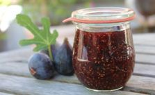 """Foto: http://www.kitchentravels.com/2011/10/raspberry-and-fig-jam-recipe.html"""" target=""""_blank"""">Kitchen Travels"""