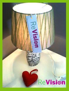 Guarda le foto per scoprire tutti i passaggi necessari per la realizzazione di una lampada con materiali di recupero come un contenitore per bagnoschiuma. revisiondesignme.wix.com/revisiondesign #ReVisionDesign #Tutorial #EcoDesign #DesignEcoChic  SEGUICI SU: www.facebook.com/CreoEco www.pinterest.com/CreoEco
