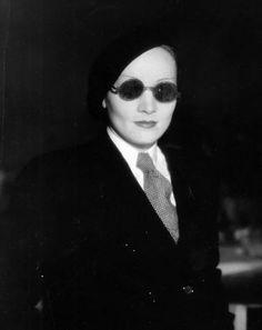 Marlene Dietrich, 1933