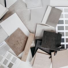 """MAY interior on Instagram: """"Creative chaos - Wat is het heerlijk om hier in Maleisië ook mijn werk als interieurontwerper voort te zetten. Heb jij ook een…"""" Fabric Painting, Om, Natural, Instagram, Painting On Fabric, Nature, Au Natural"""
