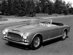 El Ferrari 212 Inter Cabriolet presentado en el Salón de Turín de 1951 es la primera creación de Pinin Farina para Ferrari.