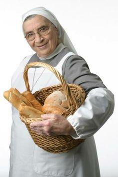 Hermana Bernarda monja, cocinera y maestra, falleció hoy a los 87 años en Buenos Aires. Desde El Gourmet siempre la recordaremos por sus inigualables aportes gastronómicos, pero sobre todo, por su cariño y su mensaje de paz y amor. (Publicación Facebook de El Gourmet)
