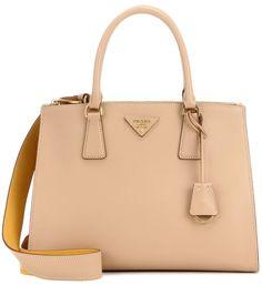 PRADA Tasche Gallerina Soft Aus Leder. #prada #bags #charm #accessories #