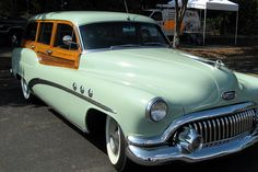 1952 Buick Eight Super Estate Woody Wagon