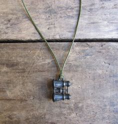 vintage c. 1930s metal binoculars charm necklace