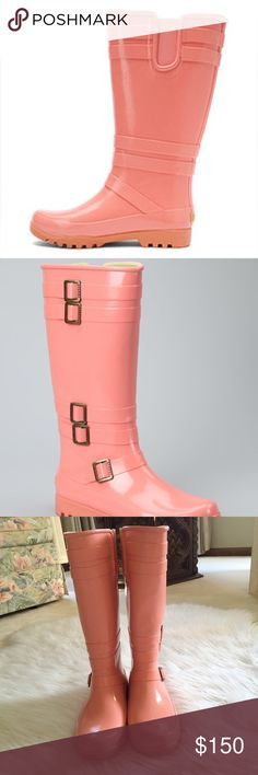 Sperry Coral Rainboot Gorgeous Sperry coral rain boots in excellent condition. Worn a handful of times but still in great shape. Light wear to the bottoms. So cute. Perfect for fall. 18dxdd552 Sperry Top-Sider Shoes Winter & Rain Boots