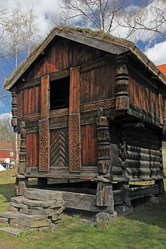Das wunderschönes Norsk Folkemuseum in Oslo, Norwegen. The treasures of the Norsk Folkemuseum in Oslo, Norway. // Shots for sale on Getty Images. Viking House, Beautiful Norway, Little Houses, Architecture, Denmark, Curb Appeal, Scandinavian, Medieval, Scenery