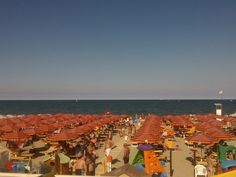 La spiaggia d'estate a Milano marittima