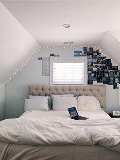 A warm cozy winter bedroom! A warm cozy winter bedroom! Bedroom Ideas For Teen Girls, Cute Bedroom Ideas, Cute Room Decor, Teen Room Decor, Bedroom Inspo, Room Decor Bedroom, Home Bedroom, Bedroom Girls, Dorm Room