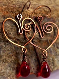 Copper earrings with heart-shaped glass pendant - Love - ArtemisiaLaboratorio