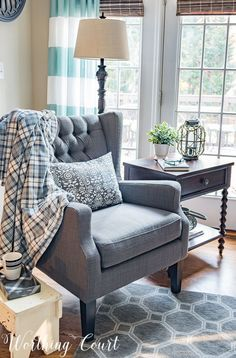 36 Popular Farmhouse Sofa Table Design Ideas For Your Living Room Decor Living Room Chairs, Living Room Furniture, Living Room Decor, Find Furniture, Dining Room, Dining Chairs, Farmhouse Sofa Table, Sofa Table Design, Living Room Designs