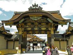 Entrada al Castillo de Nijo, Kioto.