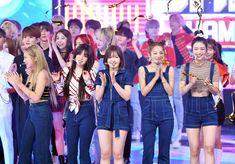 190828 Red Velvet at Show Champion. South Korean Girls, Korean Girl Groups, Red Velvet Band, Coral Cake, Alternative Names, Red Pictures, Neo Soul, Kim Yerim, Korean Bands