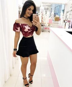 18 Sexy Outfits for Your First Date in Summer Sexy outfits are not just for the bedroom. You can wear a sexy outfit to the office, for a hot date with your man, or for a hangout with your friends. Mode Outfits, Skirt Outfits, Sexy Outfits, Sexy Dresses, Cute Dresses, Short Dresses, Summer Outfits, Casual Outfits, Fashion Outfits