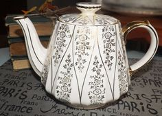 Vintage c.1940s Sadler hand-painted teapot with by BuyfromGroovy