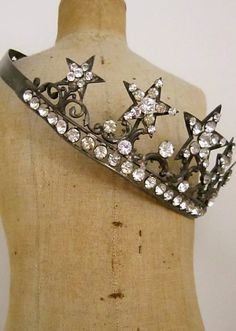 .Time to turn in and hang up my crown for the day.....Good night :-)