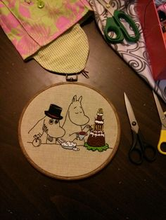 Embroidery For Beginners New Moomins embroidery for my kitchen :-) Tove Jansson, Textiles, Embroidery For Beginners, Needle And Thread, My Works, Textile Art, Cartoon Characters, Embroidery Patterns, Cardmaking