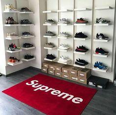 Wish this was my sneaker closet jordans pinterest for Schuhschrank jordan design