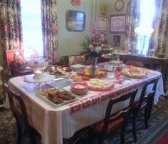 Pittsburgh house rental - Christmas Entertaining in the 1940s Dining Room.