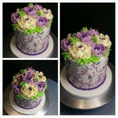 Pretty buttercream floral cake!