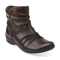 Most comfortable walking shoes for travel ever! Kessa Mabel in Brown Leather by Clark's