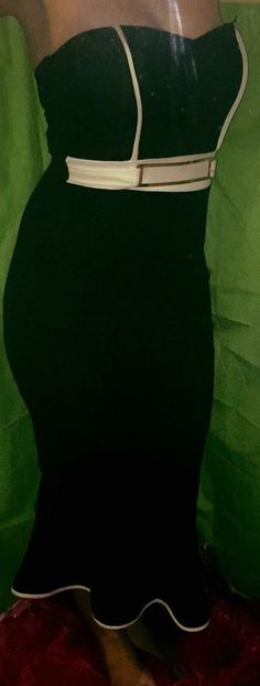 Beautiful mermaid tail dress. Gives stunning curves to knock a man off his feet! Size 12 $10