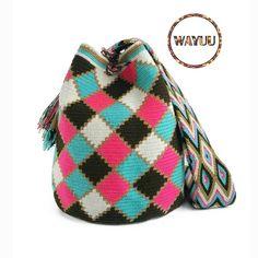 2 отметок «Нравится», 1 комментариев — WayuuBagLover (@wayuubaglover) в Instagram: «Wayuu bag  ไซส์ L สินค้า✔✔✔พร้อมส่ง##wayuubag #กระเป๋าวายู#กระเป๋าโคลอมเบีย#colombiabag…»