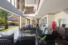 Bendega Rato - Open fronted living area
