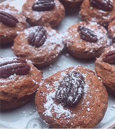 Mini & Perfectly Sweet Banana Muffins (GF + SF) #healthybreakfast #healthydessert #banana #glutenfree #coconutflour #healtheebelly #healtheebellyrecipes Healthy Dessert Recipes, New Recipes, Delicious Desserts, Vegan Recipes, Whole Roasted Cauliflower, Peanut Butter Smoothie, Latest Recipe, Breakfast Dishes, Healthy Alternatives