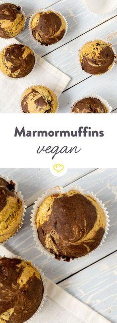 Einen Biss von diesen superfluffigen Marmormuffins und du wirst dich fragen: Warum habe ich all die Jahre Muffins mit Butter und Eiern gebacken?