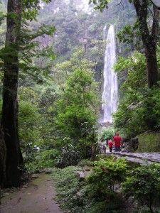 Kaliurang, Mount Merapi. Jogjakarta, Indonesia Cool Places To Visit, Great Places, Mount Merapi, Exotic Places, Beautiful Waterfalls, Semarang, Yogyakarta, Beautiful Places In The World, Lombok