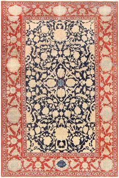 Antique Persian Tabriz Rug, Country of Origin: Persia, Circa date: Early Twentieth Century  7 ft 7 in x 11 ft 4 in (2.31 m x 3.45 m)