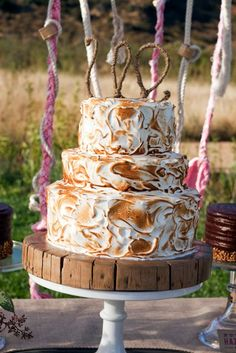 This meringue cake screams country or western inspired wedding!  Display on a whiskey barrel and you are done!