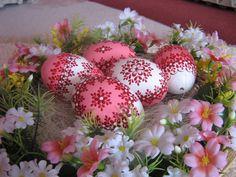 Holiday Fun, Holiday Decor, Egg Designs, Egg Art, Egg Decorating, Event Photos, Egg Shells, Special Events, Easter Eggs