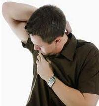 Se você já passou por alguma das situações abaixo sabe bem como é desagradável ter a roupa com cheiro de suor. Você lava a roupa com sabão e amaciante, quando você retira do varal ela está perfumada, mas na hora que você passa o ferro sobe aquele cheiro de suor. Você pega…