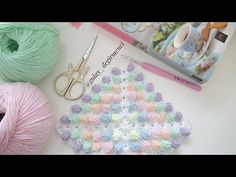 KOLAY ANLATIMLI POPCORN /BONİBON KARE BATTANİYE YAPIMI /HOW TO CROCHET THE BOBBLE STİTCH - YouTube Crochet Flower Tutorial, Crochet Flowers, Baby Blanket Crochet, Crochet Baby, Bobble Stitch, Baby Dress, Crochet Necklace, Scrap, Cross Stitch