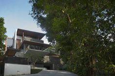 Nassim Road House // Bedmar & Shi
