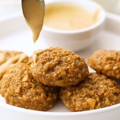 Healthy Peanut Butter Oatmeal Banana Cookies - These gluten free oatmeal cookies use only 5 simple ingredients and are dairy free and vegan friendly A healthy treat for kids and adults that can be a breakfast or snack FoodFaithFit Peanut Butter Banana Cookies, Healthy Oatmeal Cookies, Gluten Free Oatmeal, Healthy Cookie Recipes, Peanut Butter Recipes, Peanut Butter Oatmeal, Healthy Baking, Healthy Sweets, Snack Recipes