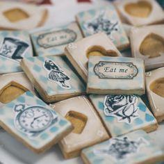 Alice in Wonderland cookies!