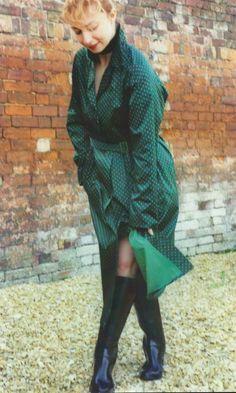 Hunter Wellies, Rubber Raincoats, Black Rain Boots, Pvc Raincoat, Weather Wear, Raincoats For Women, Rain Wear, Black Rubber, Plaid Scarf